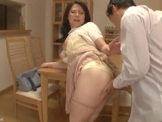 shemale mamičky porno